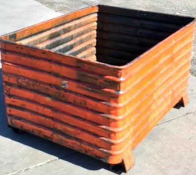 Stock no: 7435 - LARGE STEEL CONTAINER BINS